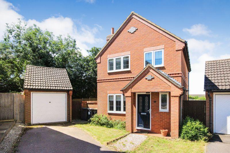 3 Bedrooms Detached House for sale in Black Hat Close, Wilstead
