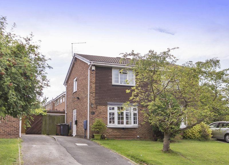 2 Bedrooms Semi Detached House for sale in MINSTER ROAD, OAKWOOD