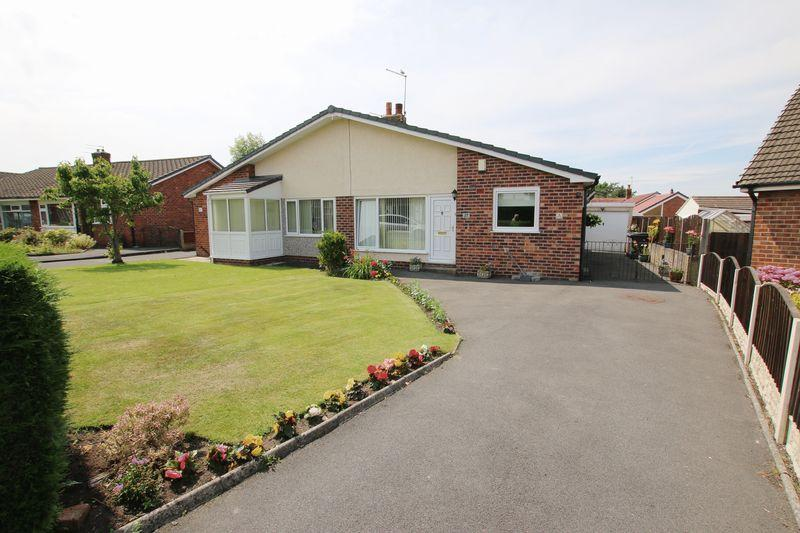 2 Bedrooms Semi Detached Bungalow for sale in Clifford Ave, Longton