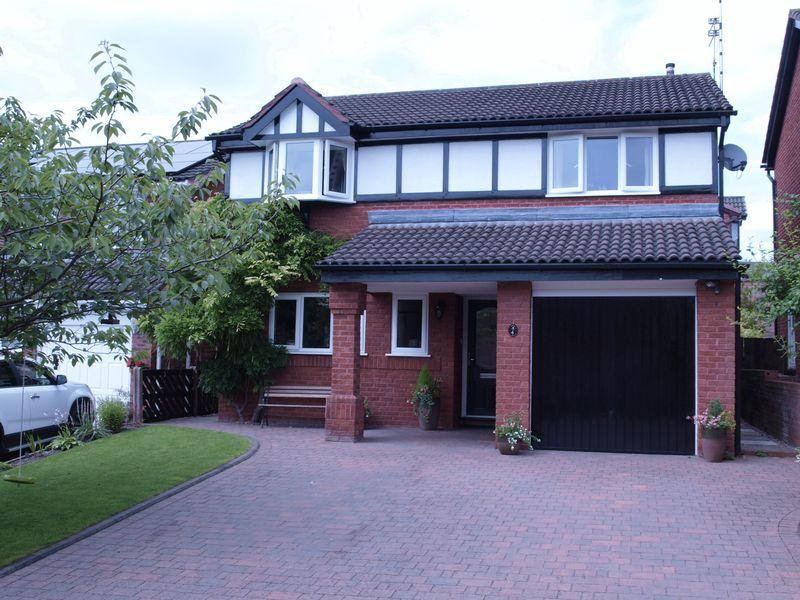 4 Bedrooms Detached House for sale in Barn Meadow, Northwich, CW8 4XD