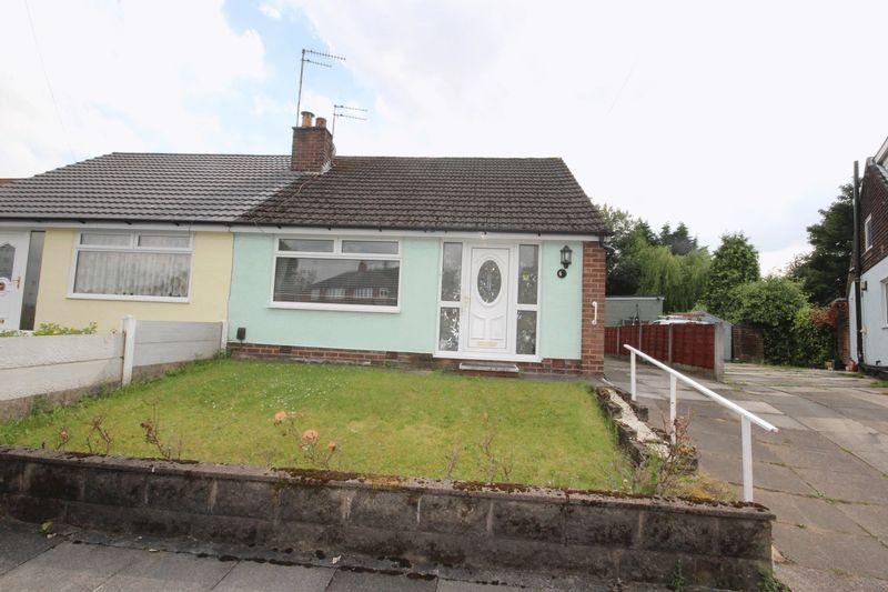 2 Bedrooms Semi Detached Bungalow for sale in Hillcrest, Middleton M24 5JA