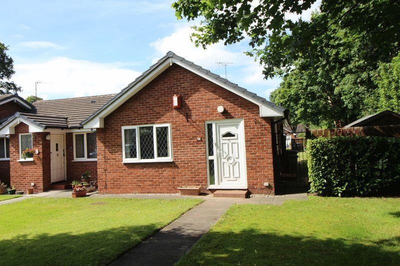2 Bedrooms Semi Detached Bungalow for sale in Shetland Drive, Wirral