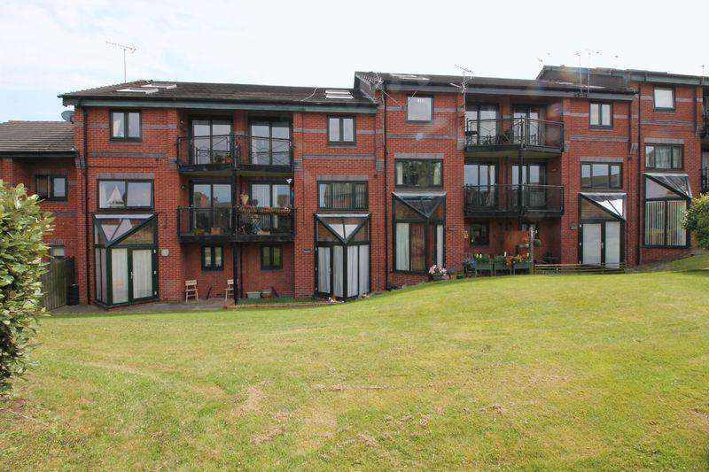 1 Bedroom Apartment Flat for sale in Priory Wharf, Birkenhead
