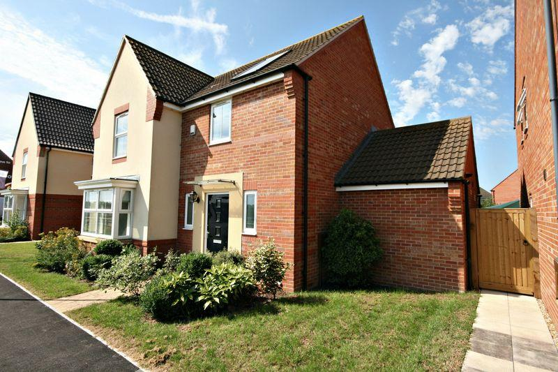 4 Bedrooms Detached House for sale in Regal Walk, Bridgwater