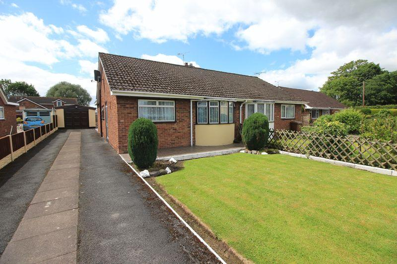 2 Bedrooms Semi Detached Bungalow for sale in School Lane, Oswestry