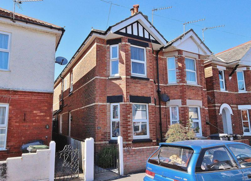 2 Bedrooms Semi Detached House for sale in Abinger Road, Pokesdown, Bournemouth
