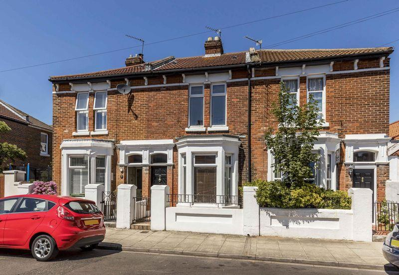 3 Bedrooms Terraced House for sale in Inglis Road, Southsea
