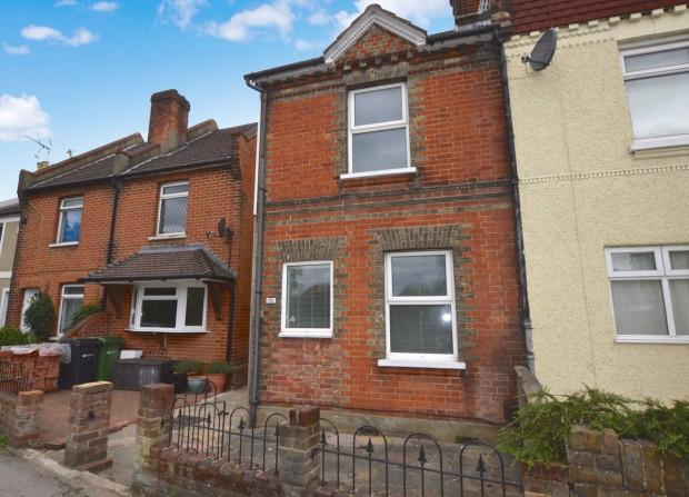 2 Bedrooms Semi Detached House for sale in Kingston Road, Leatherhead, KT22