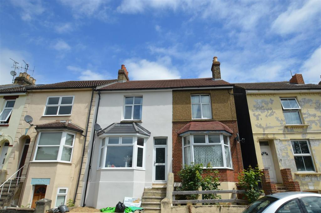 2 Bedrooms Terraced House for sale in Church Terrace, Chatham
