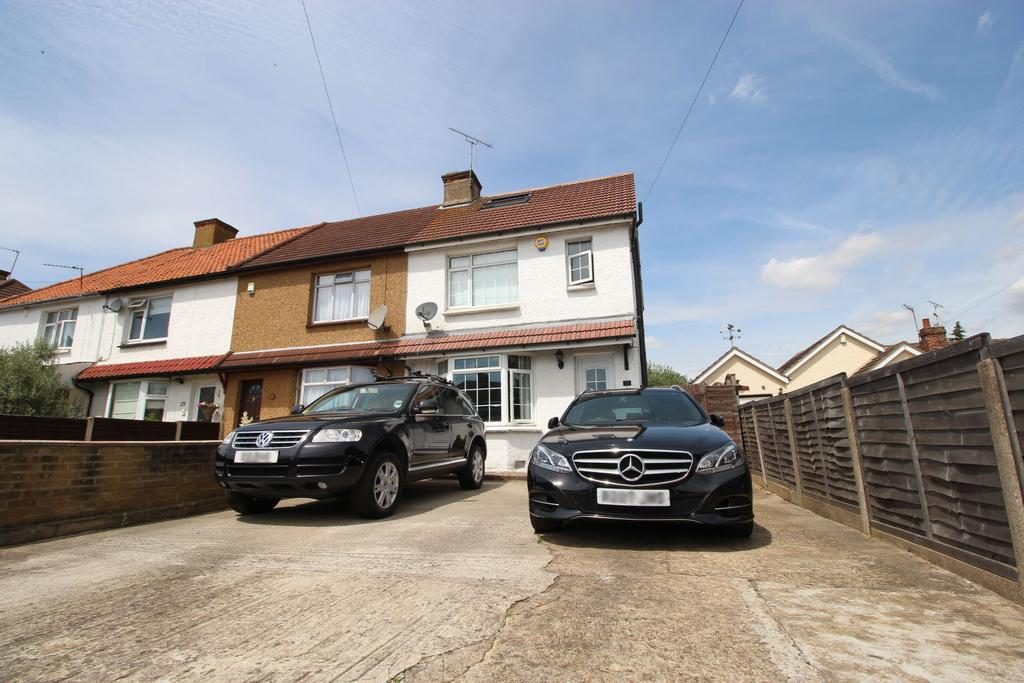 4 Bedrooms End Of Terrace House for sale in Stortford Road, Hoddesdon EN11