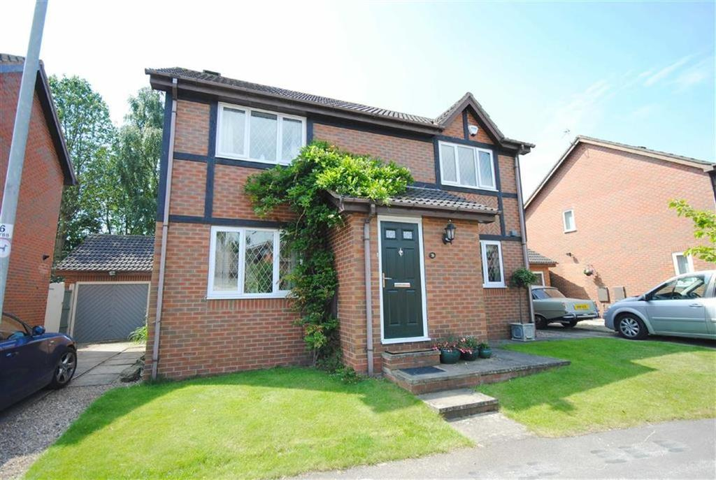 3 Bedrooms Detached House for sale in Cromwell Rise, Kippax, Leeds, LS25