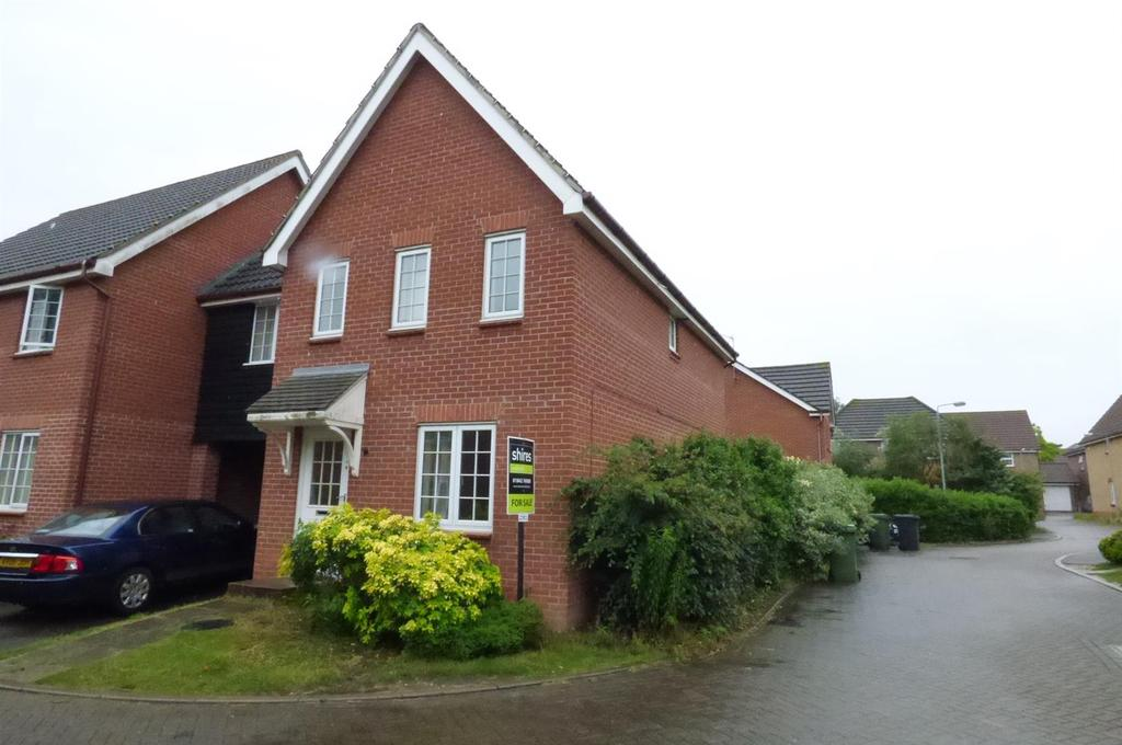 3 Bedrooms Link Detached House for sale in Peter Drive, Thetford