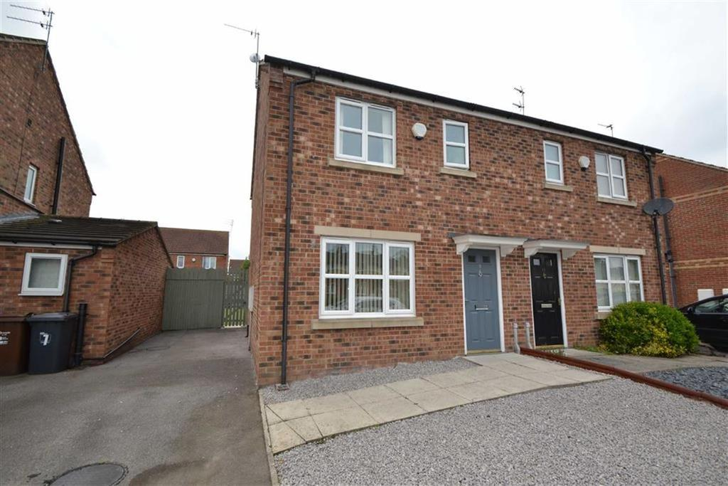 3 Bedrooms Semi Detached House for sale in Seaton Grove, Hull, HU4