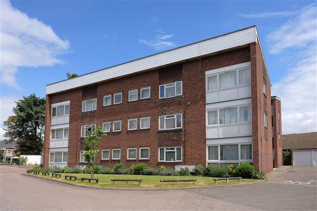 2 Bedrooms Flat for sale in Kensington Court, Quainton Close, Cambridge
