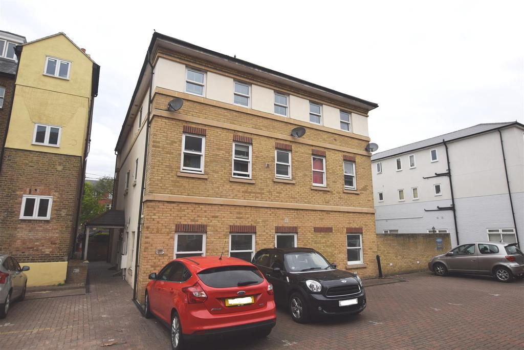 2 Bedrooms Apartment Flat for sale in Broomfield Road, Chelmsford