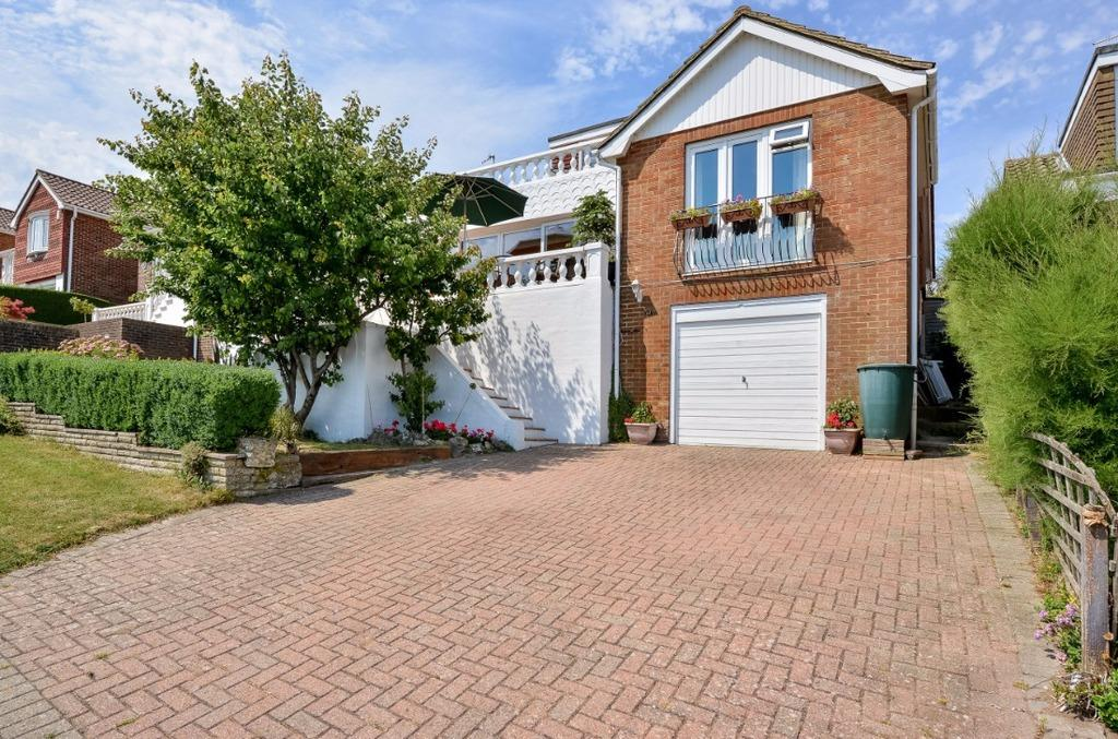 4 Bedrooms Detached House for sale in Bishopstone Drive Saltdean East Sussex BN2
