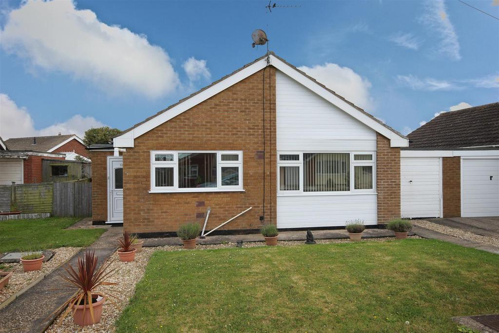 2 Bedrooms Detached Bungalow for sale in 12 The Glade, Sandilands, Mablethorpe