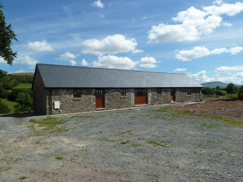 2 Bedrooms Barn Conversion Character Property for sale in The Byre, Abercrai, Trecastle, Brecon, Powys.
