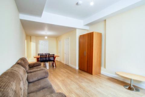 3 bedroom apartment to rent - Portman Mews, Shieldfield, NE2
