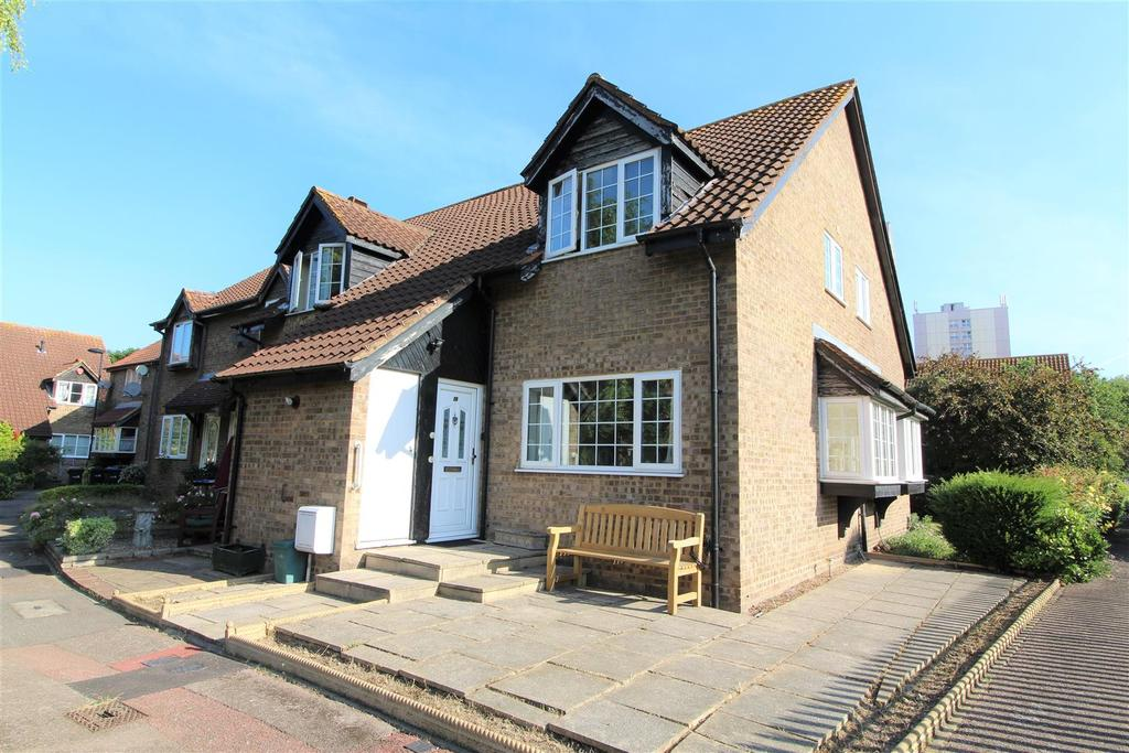 1 Bedroom End Of Terrace House for sale in Mahon Close, Enfield