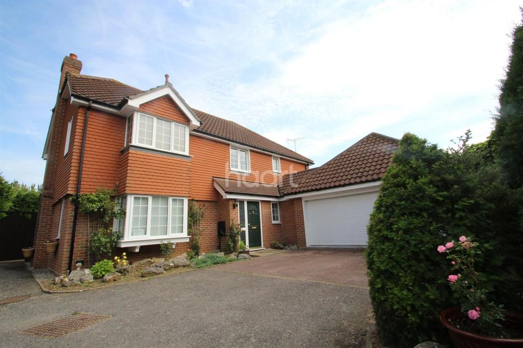 4 Bedrooms Detached House for sale in East Hanningfield Road, Howe Green