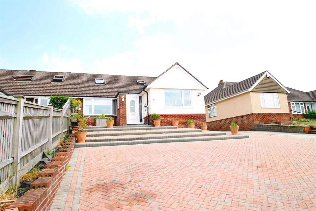 4 Bedrooms Bungalow for sale in North Road, Horndean