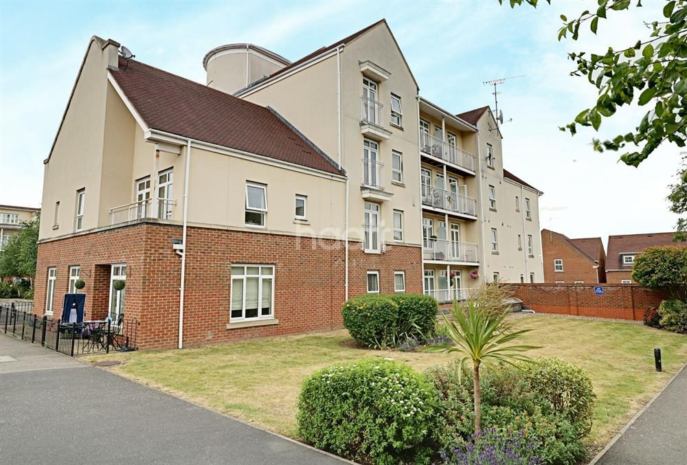 2 Bedrooms Flat for sale in Ridley Court, East Barnet, EN4