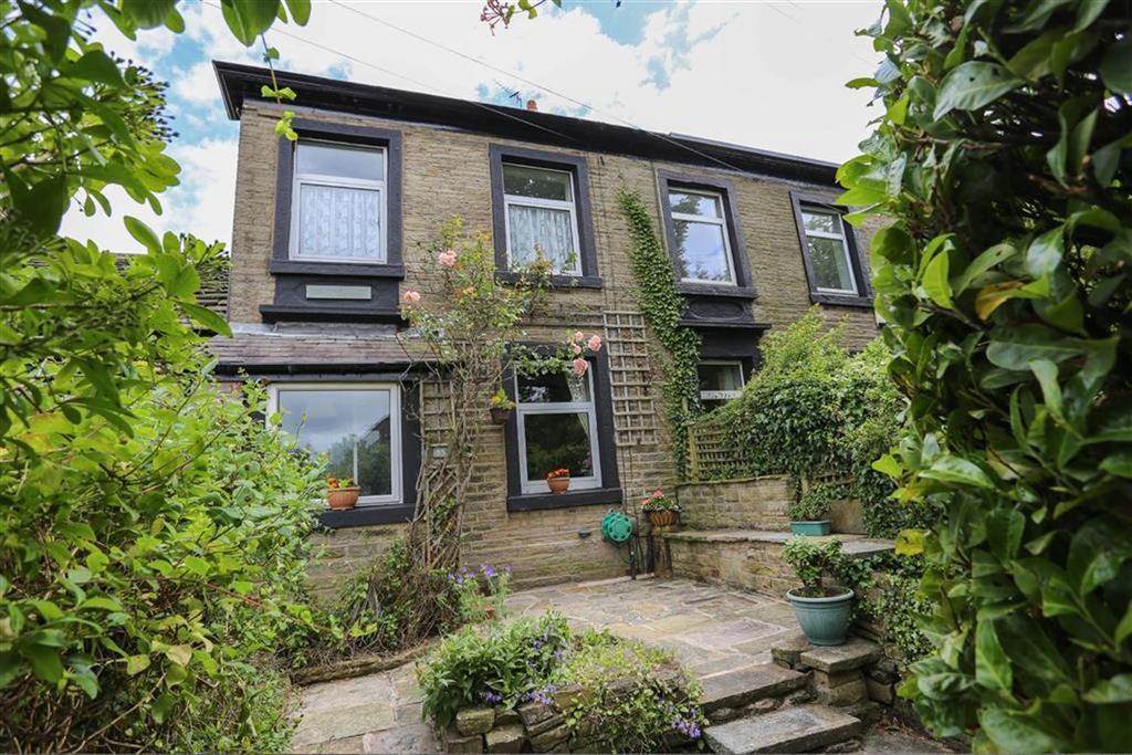 3 Bedrooms House for sale in Upper Hibbert Lane, Marple, Cheshire
