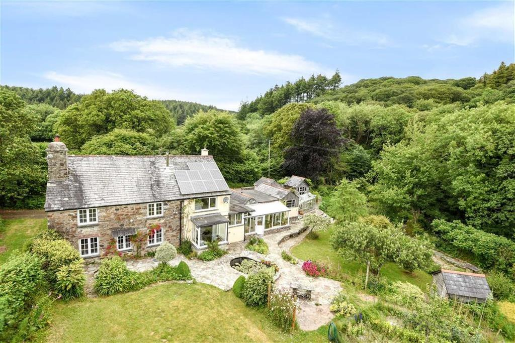 4 Bedrooms Detached House for sale in Cardinham Woods, Bodmin, Cornwall, PL30