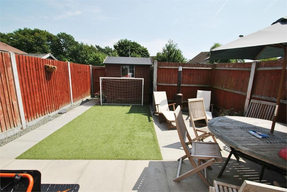 3 Bedrooms End Of Terrace House for sale in Porters Field, BRAINTREE, Essex