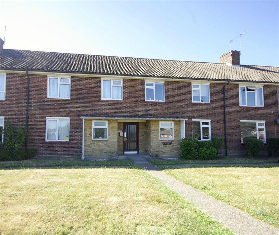 2 Bedrooms Maisonette Flat for sale in Forest Walk, Bushey, Hertfordshire, WD23