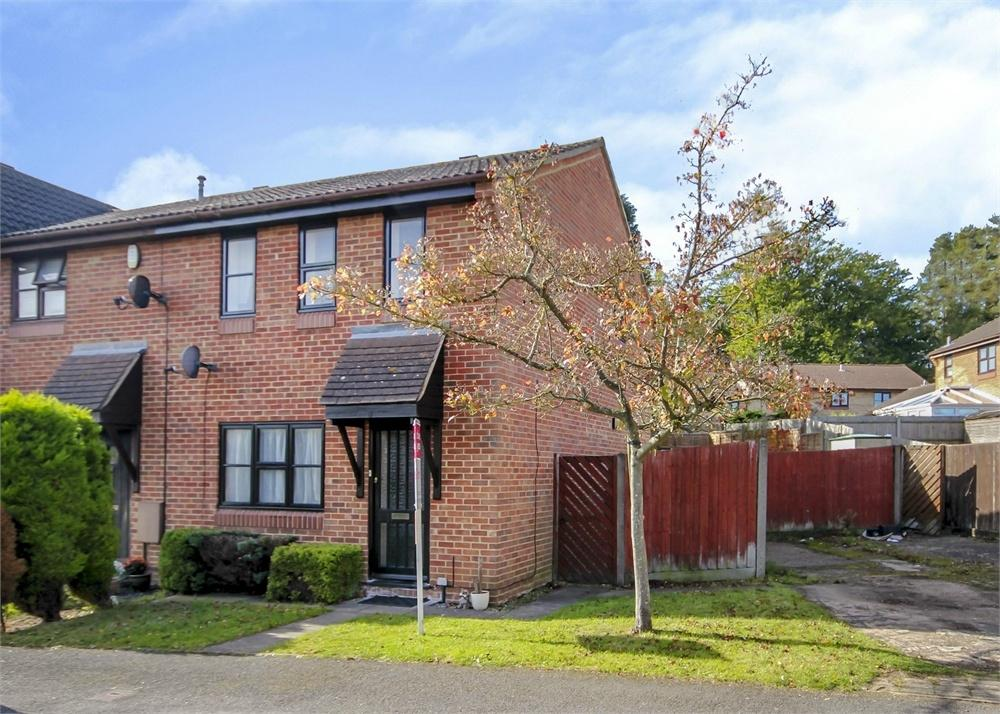 3 Bedrooms End Of Terrace House for sale in Slaidburn Green, Forest Park, Bracknell, Berkshire