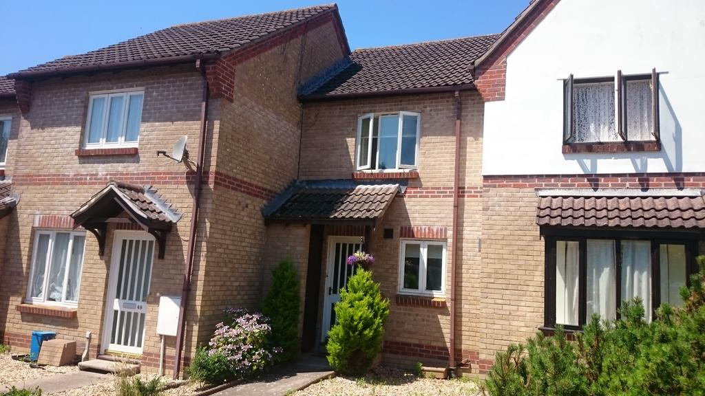 2 Bedrooms Semi Detached House for sale in 49 The Cricketers, Axminster
