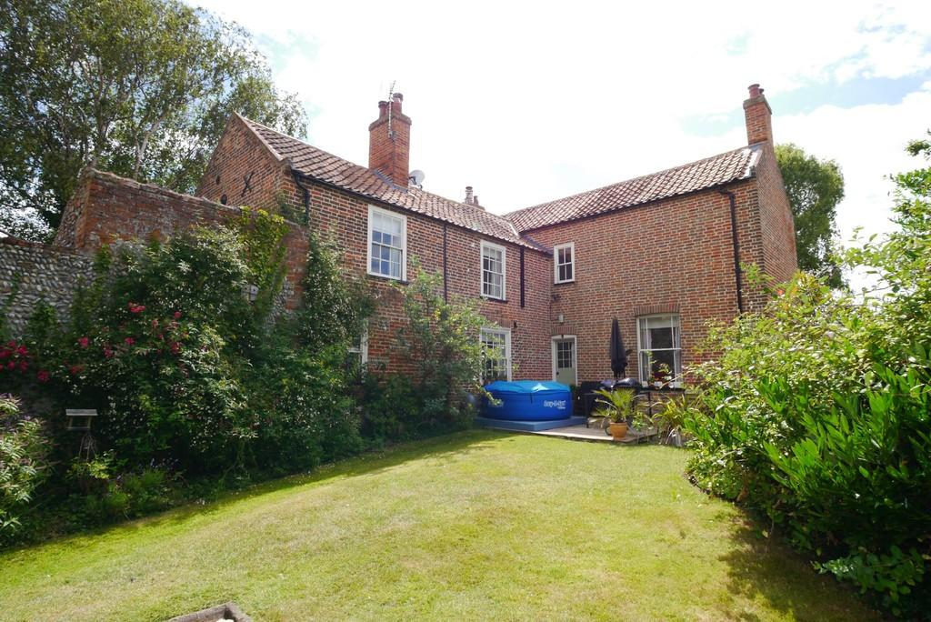 Detached Properties For Sale At Lowestoft