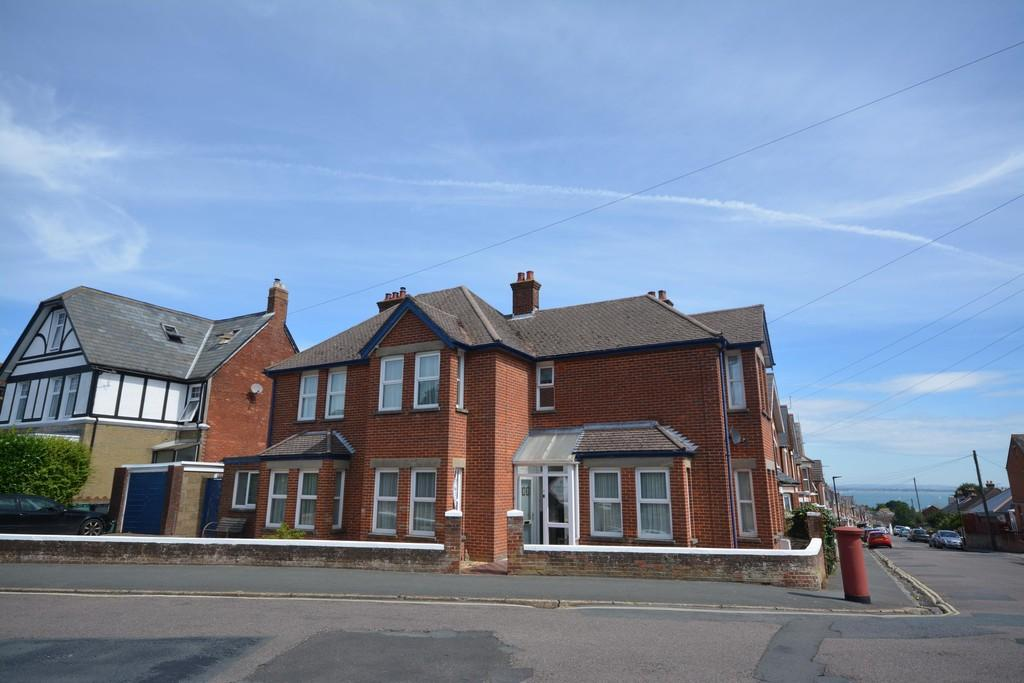 4 Bedrooms Semi Detached House for sale in Brooklands Road, Cowes