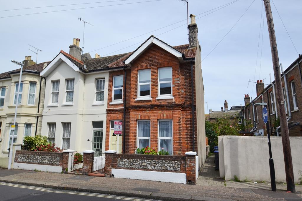 3 Bedrooms End Of Terrace House for sale in Buckingham Road, Worthing, West Sussex, BN11 1TH