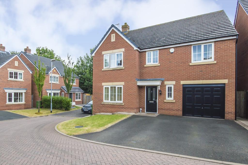 4 Bedrooms Detached House for sale in Briars Gardens, Kidderminster