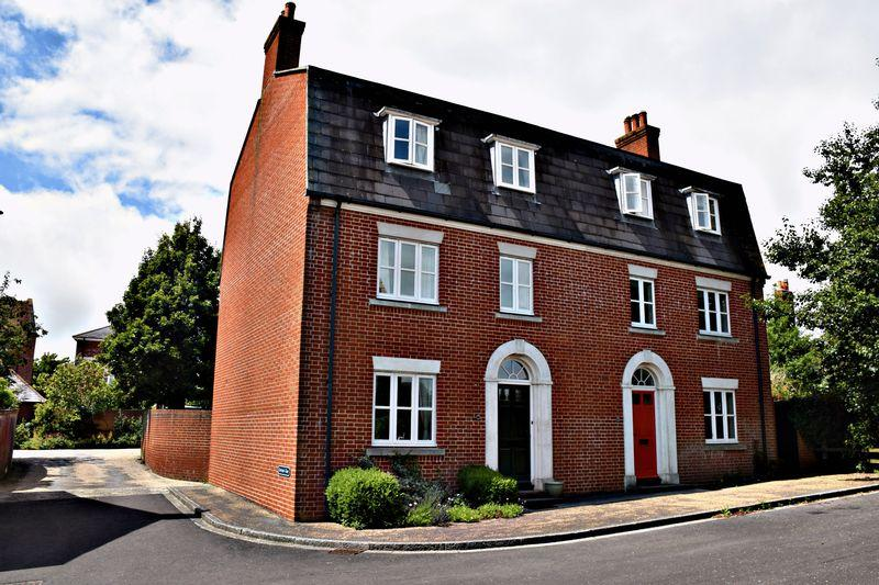 4 Bedrooms Semi Detached House for sale in Tinten Lane, Poundbury.