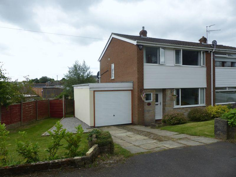 3 Bedrooms Semi Detached House for sale in Rishworth Rise, High Crompton, Shaw