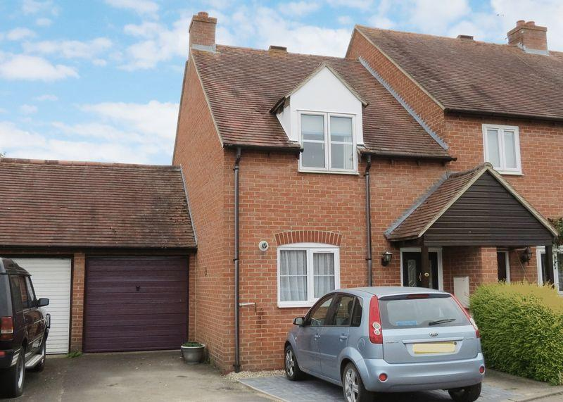 2 Bedrooms Terraced House for sale in Farmstead Close, Grove