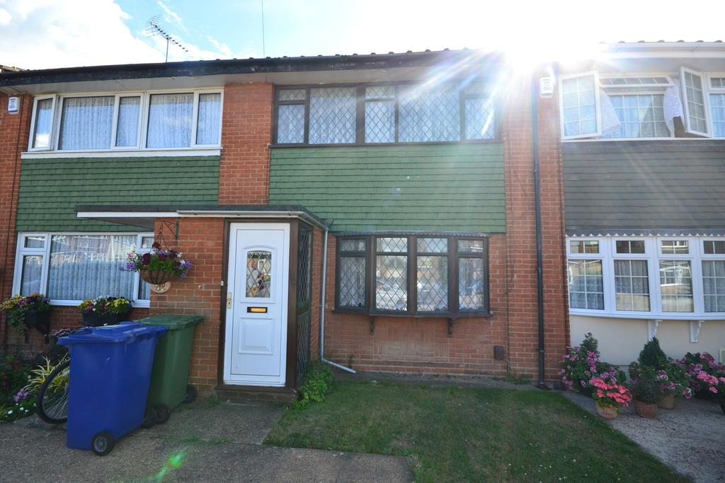 3 Bedrooms Terraced House for sale in Colville Close, Corringham, STANFORD-LE-HOPE, SS17