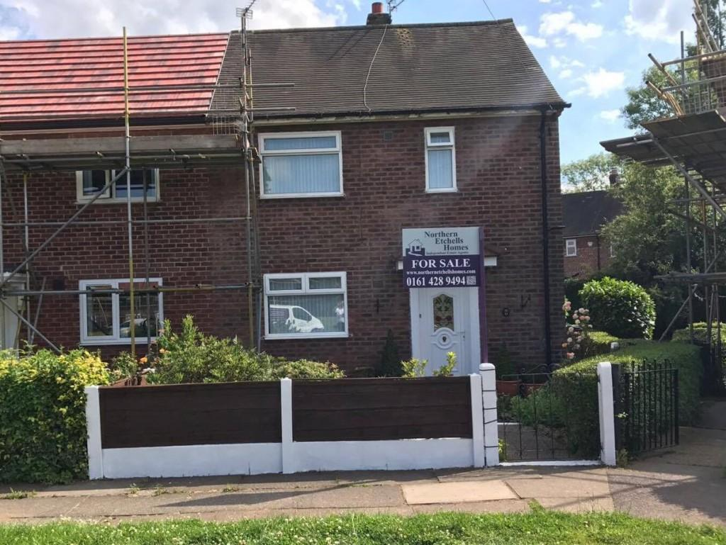 2 Bedrooms Semi Detached House for sale in Prinknash Road, Woodhouse Park, Manchester
