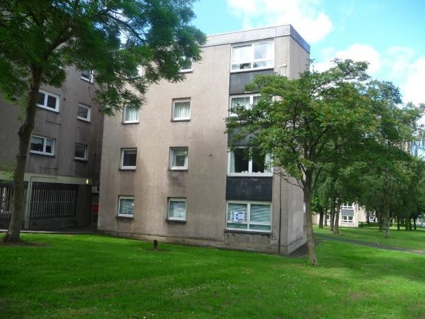 2 Bedrooms Flat for sale in Primrose Crescent, Motherwell, ML1