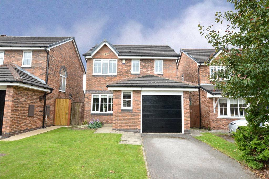 3 Bedrooms Detached House for sale in Higham Way, Garforth, Leeds, West Yorkshire