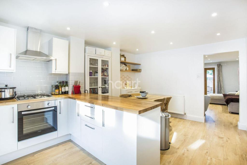 2 Bedrooms Flat for sale in Maberley Road, Crystal Palace, SE19