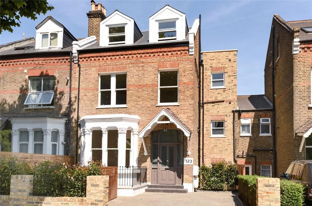3 Bedrooms Flat for sale in Brondesbury Road, Queen's Park, London, NW6