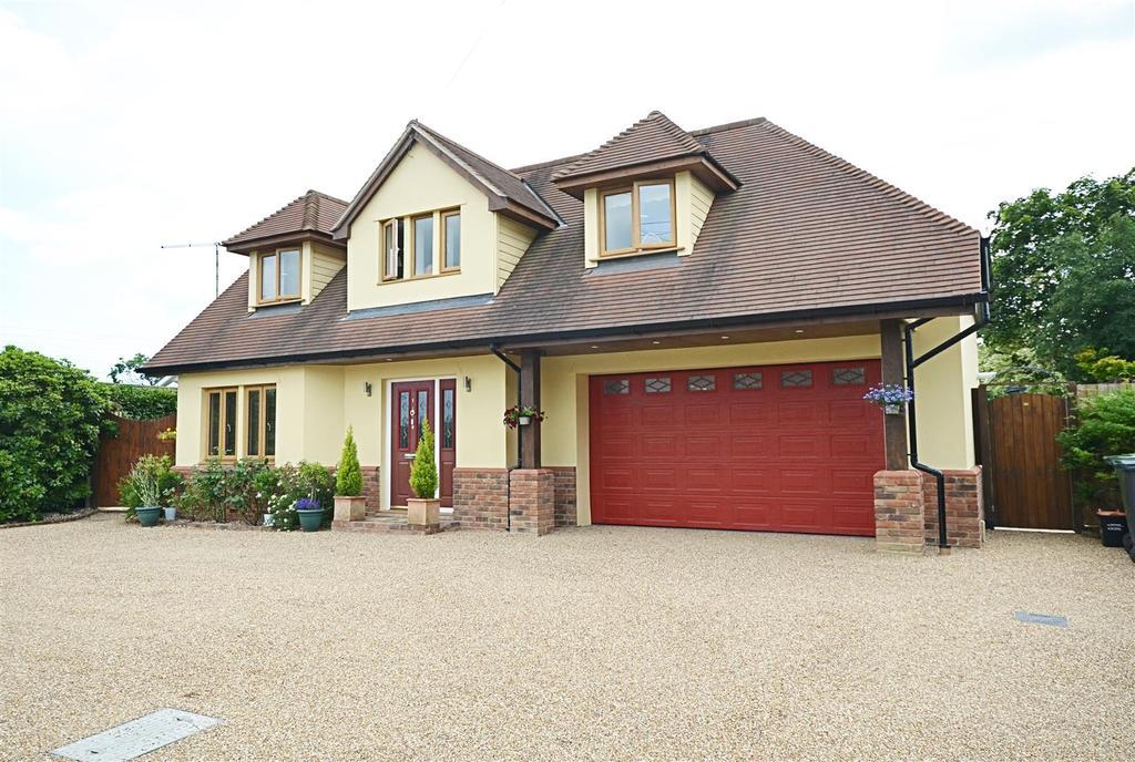 3 Bedrooms Detached House for sale in Rolvenden Hill, Rolvenden