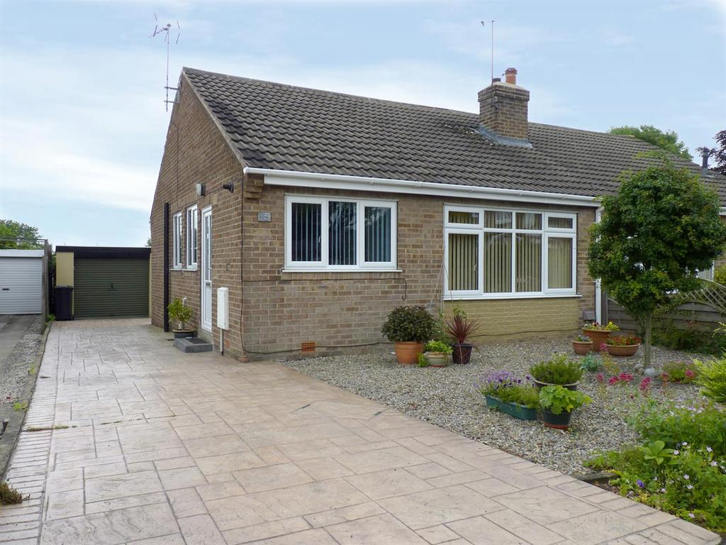 3 Bedrooms Semi Detached Bungalow for sale in Hill Top Avenue, Harrogate