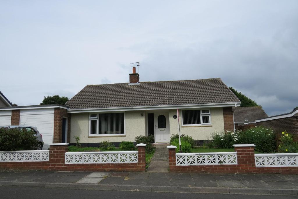 3 Bedrooms Detached Bungalow for sale in The Demesne, North Seaton Village, Ashington
