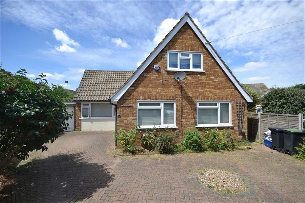 4 Bedrooms Detached House for sale in Homefield Close, Epping, Essex, CM16